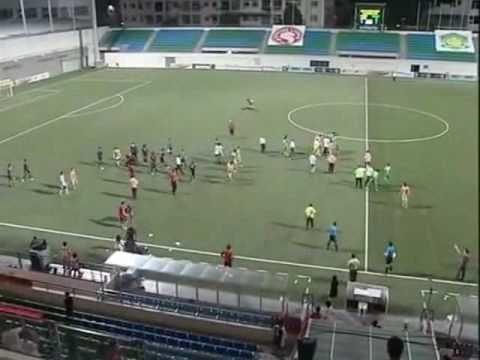 【動画】 シンガポールサッカー2軍、 試合中に大乱闘