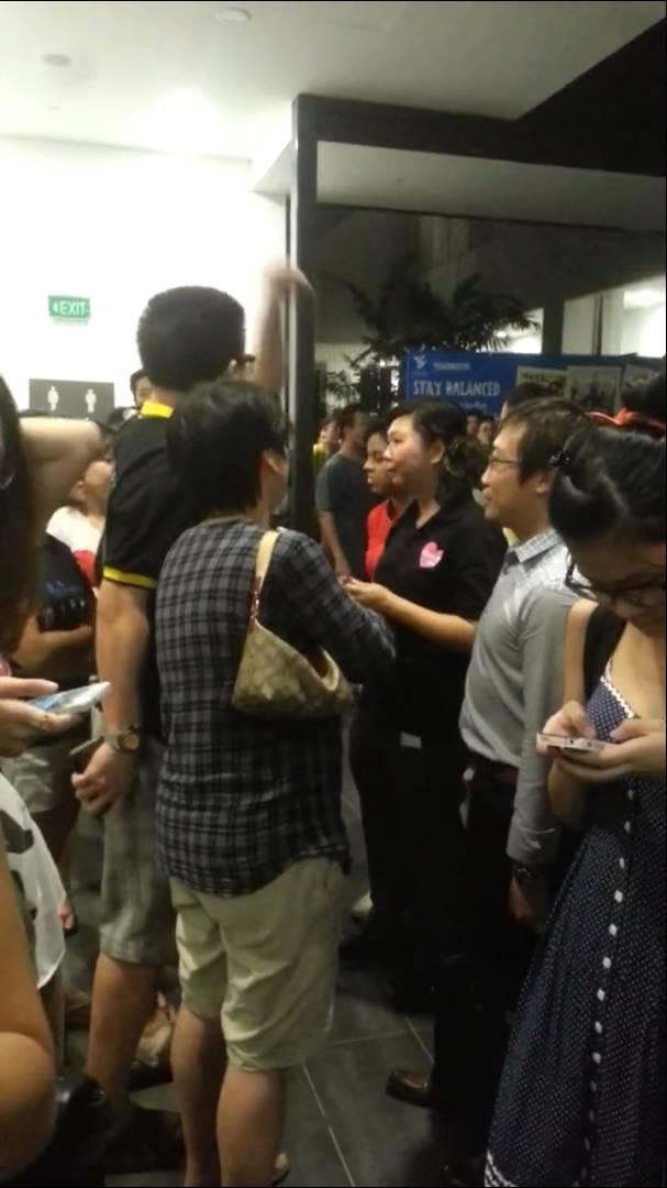 シンガポールハローキティで店側と口論