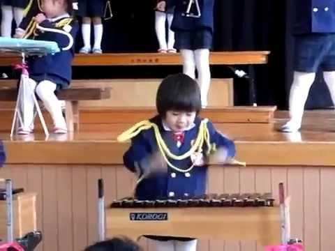 カワイイ、木琴で大フィーバー