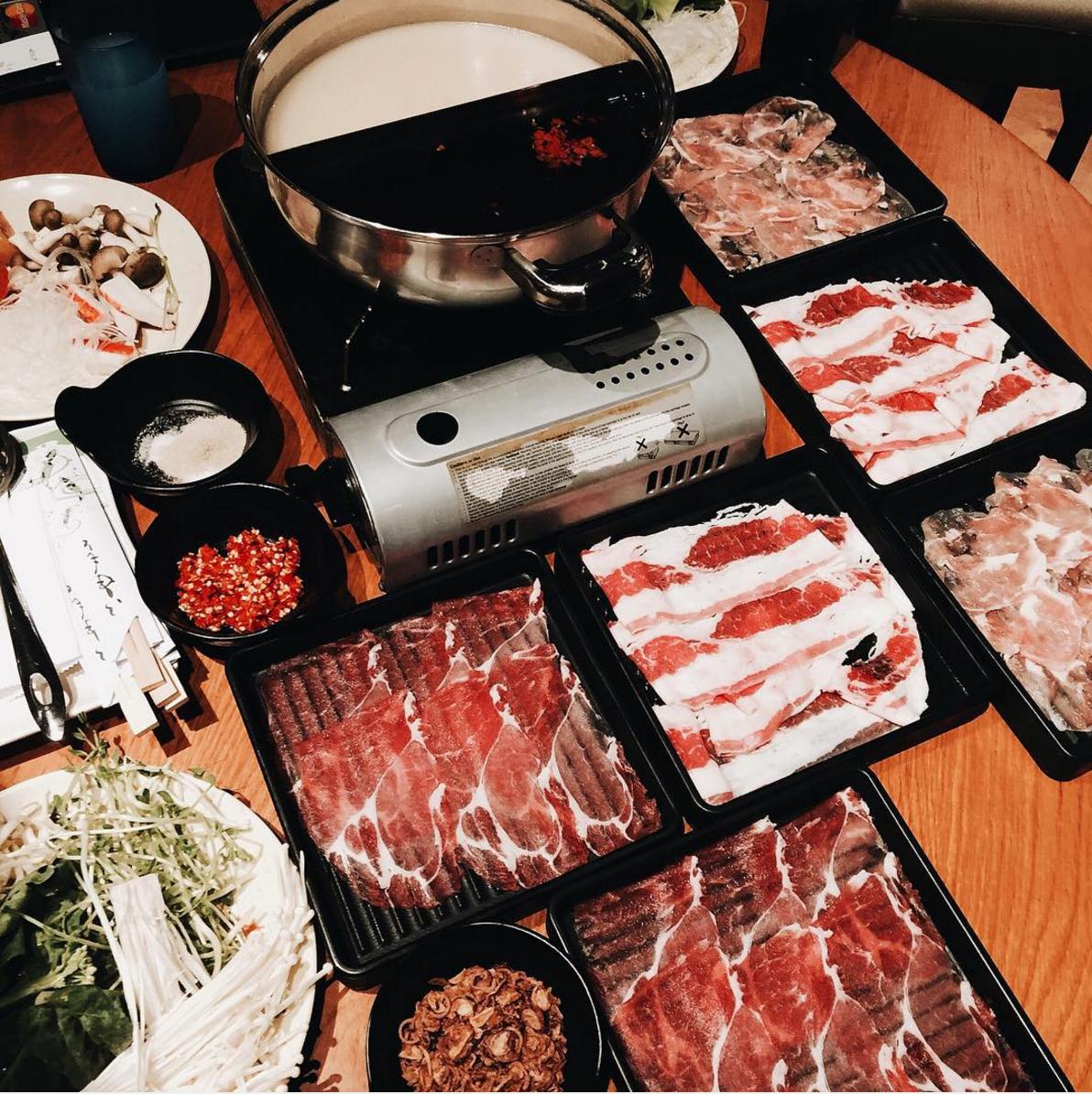 【シンガポールしゃぶしゃぶ】しゃぶ菜