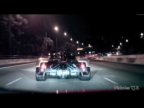 スーパーカーZONDAがシンガポール中を駆けまわる
