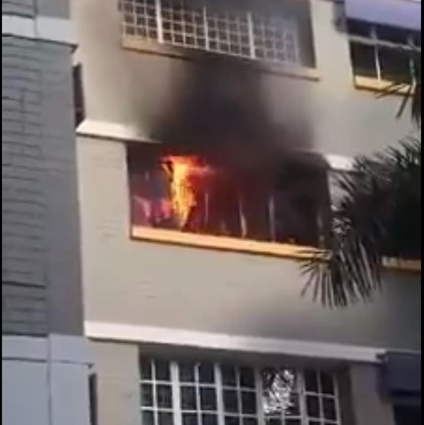 シンガポールHDBで火事なう!