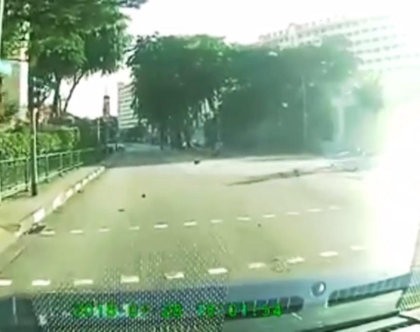 シンガポール事故、スピードの出し過ぎはよくないよ