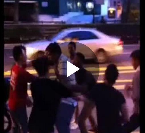 シンガポール クラークキーでケンカしてる若者軍団w