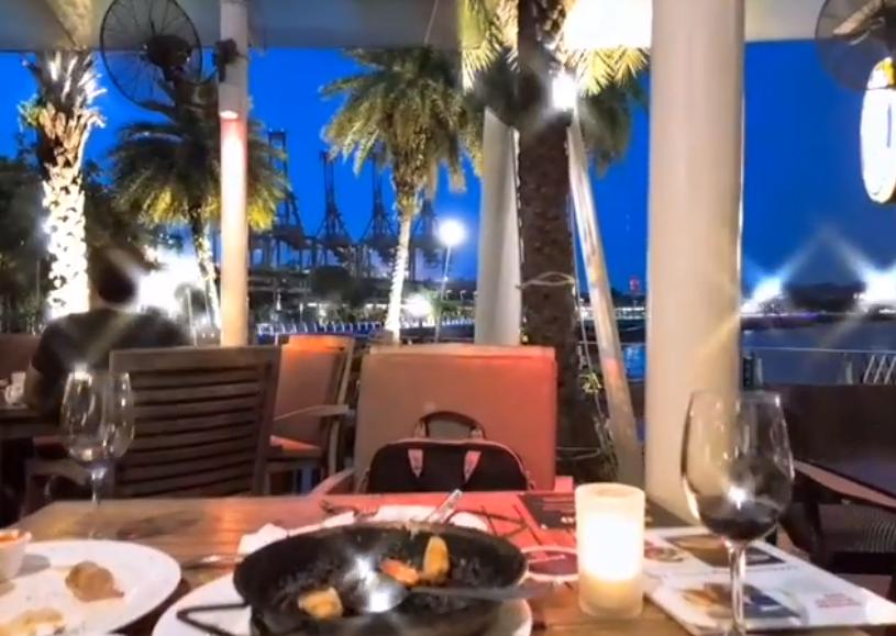 シンガポールスペイン料理 セレニティー の風景は最高だね! 週末らしい時間過ごせた。
