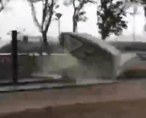 シンガポール怪天候、シンガポール暴風 で大被害!!